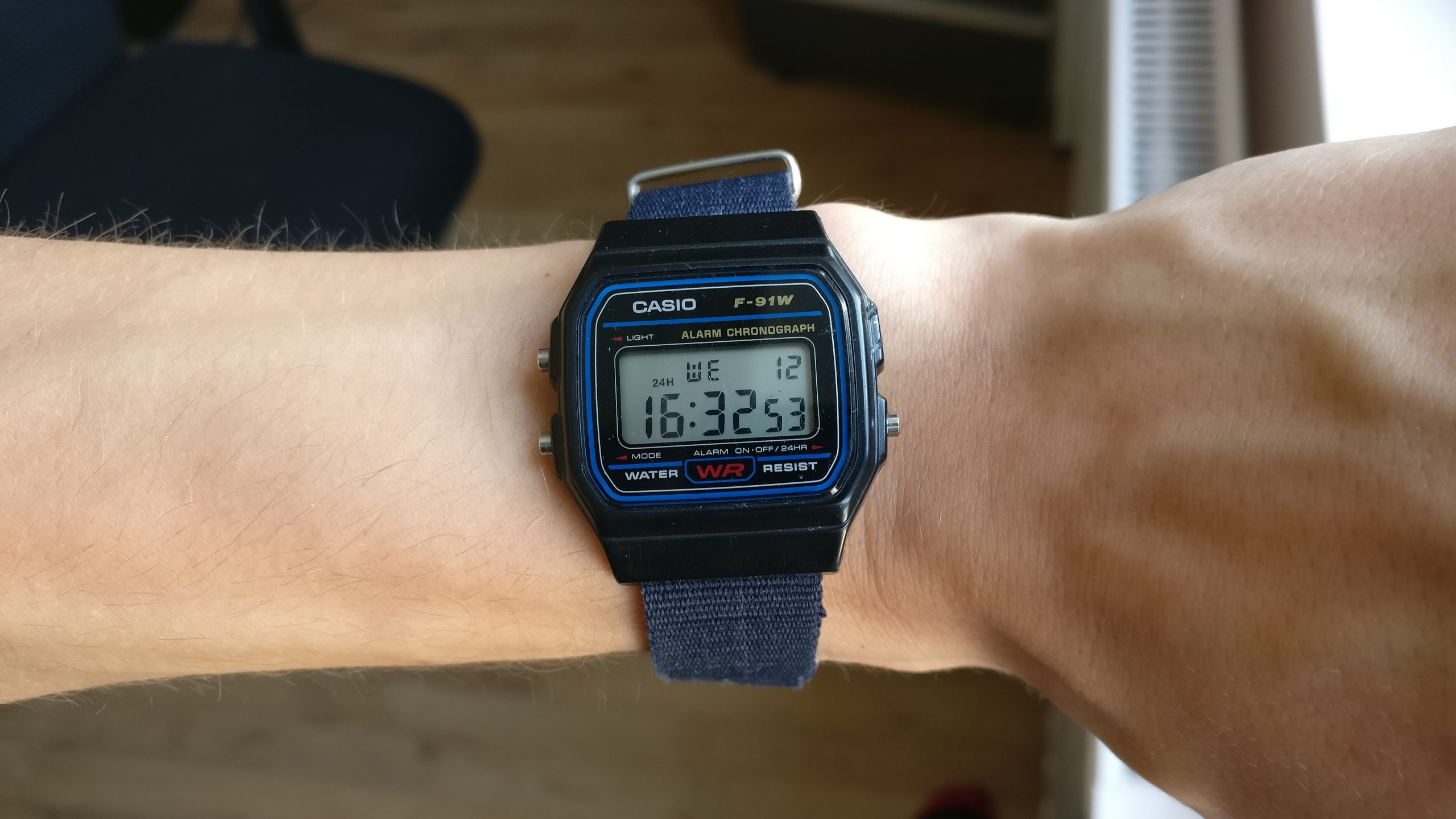 Tips to Order Innovative Watches Designed in Amazing Models